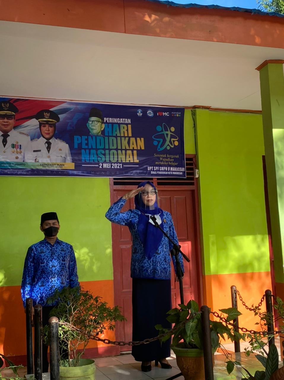 Smpn 9 Makassar Adakan Upacara Bendera Secara Virtual Peringati Hardiknas 2021 Matakita